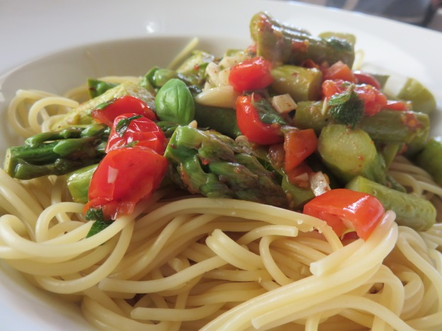 gruener-spargel-pasta
