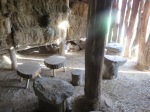steinzeit-sitzgruppe