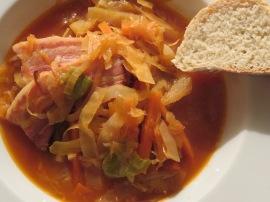 Bigos - Polnischer Eintopf mit Sauerkraut