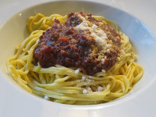 Wildschweinbolognese mit selbst gemachten Spaghetti