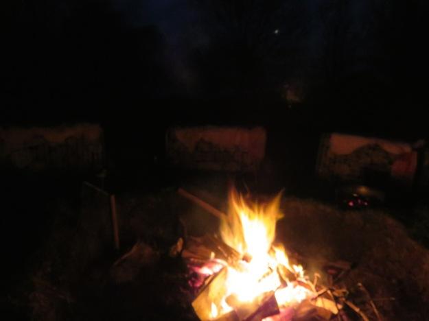 Feuerstelle Schaffell