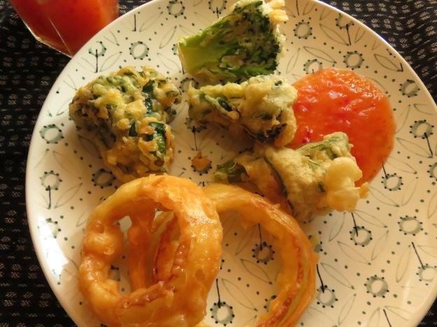 zwiebelringe-broccoli-bierteig
