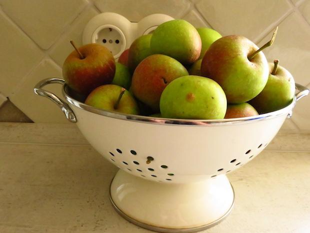 unreife-äpfel