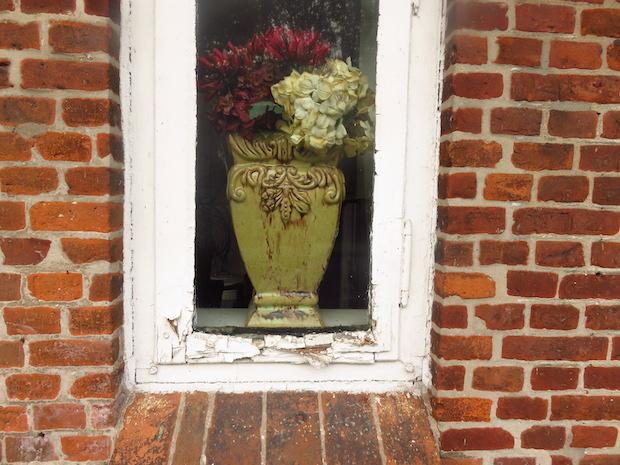 Altes, kaputtes Fenster