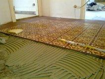 Zementmosaikplatten im in Mischung gelegt