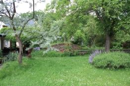 Erdkeller fügt sich perfekt in den Garten ein