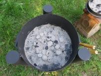 Kohlen in der Feuerschale