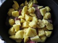 Norddeutscher Schmortopf mit Kartoffeln, Weißkohl und Rinderbraten