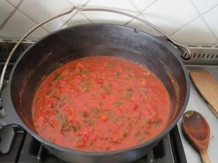 Tomatensauce aus dem Feuertopf