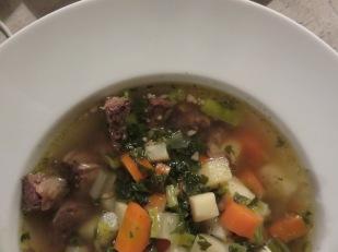 Frische Suppe mit Rind