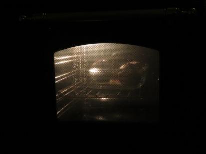 Licht im Ofen mit Bratäpfeln