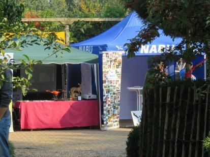Stand des NABU neben dem Drohnen-Stand zur Kitzsuche