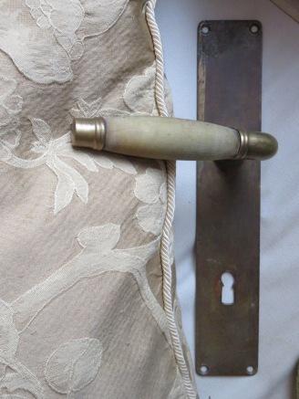 Art Deco Türgriff aus Horn und Messing