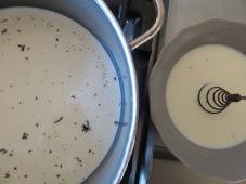 Selbst gemachte Vanillesauce