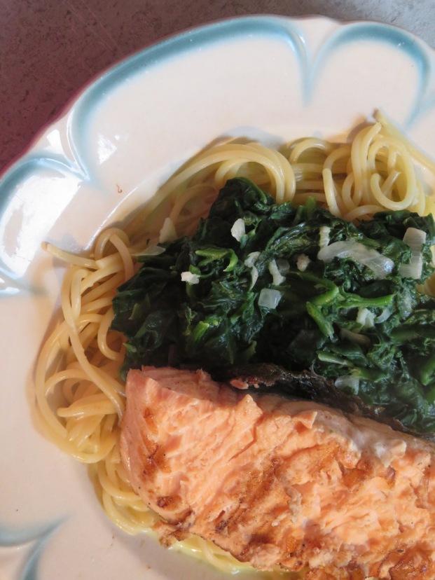 Neuseeländer Spinat mit Läx und Pasta