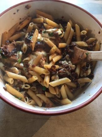Auberginen-Mozzarella-Pasta