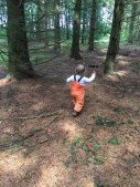 Baby im Wald